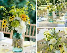 Vintage Hochzeit Deko für den Tisch mit Wiesenblumen in Einweckgläsern