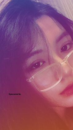 Ulzzang Korean Girl, Cute Korean Girl, Asian Girl, Pink Wallpaper Backgrounds, Girl Wallpaper, Mode Lolita, Airplane Photography, Shadow Photos, Kim Sang