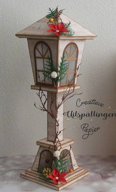 Bild 1 – Lantern on stand – Knippen Candy Land Christmas, Classy Christmas, Modern Christmas, Christmas Crafts, Christmas Ornaments, Scandinavian Christmas, Christmas Lanterns Diy, Christmas Decorations, 3d Paper Crafts