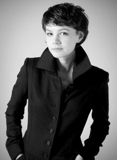 If I were brave enough to have short hair; if my hair was that color; and if I looked like Carey Mulligan, that's how I'd wear my hair. Short Brown Hair, Short Hair Cuts, Pixie Cuts, Carey Mulligan Hair, Carrie Mulligan, Pixie Hairstyles, Pixie Haircuts, Cut And Color, Her Hair