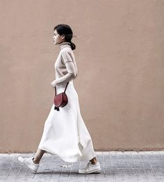 5 Minimalist Ways To Style A Midi Skirt Plaid Fashion, Tomboy Fashion, Green Fashion, Spring Fashion, Style Fashion, Modest Fashion, Fasion, Fashion Styles, Modern Street Style
