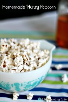 Homemade Honey Popcorn recipe. Sweet and salty snack! Perfect for movie nights.