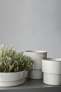 Anchor Ceramics Stoneware Planter - Speckled White - Medium