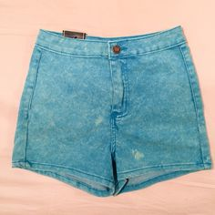 Light Blue Acid Wash Shorts SUPER CUTE. HIGH WAISTED. LIGHT BLUE ACID WASHED. PRICE IS FIRM. 70% COTTON/ 27% POLYESTER/ 3% SPANDEX Shorts Jean Shorts