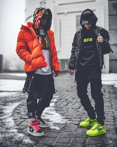 A dope pair of Layered StreetStyle 🙌🏻 great look Hip Hop Fashion, Urban Fashion, Mens Fashion, Streetwear Men, Streetwear Fashion, Men Looks, Hypebeast Outfit, Hype Clothing, Swag Outfits Men