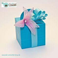 Geschenkschachtel mit Organza Lilie
