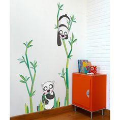 Ce sticker Le goûter des pandas de la marque Série-Golo apporte un décor ludique et coloré à la chambre d'un enfant.