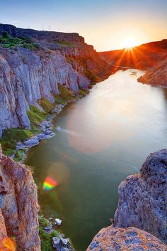 Sunset on the Snake | Twin Falls, Idaho.....can't wait to go back at Christmas and visit my kiddos and see this beautiful state!!