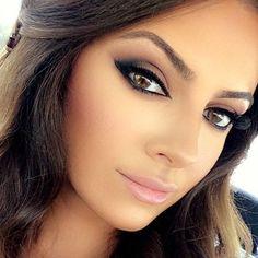 Love this makeup! Impactful eyes, strong brows, glowing skin and soft pink lip bridal makeup.