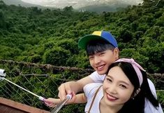 Sungjae x Joy We Got Married when Sungjae tried to distract joy from getting afraid of heights by taking a selca