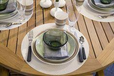 service de table élégant avec bol en verre