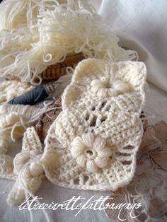 motif for ear warmer Grannies Crochet, Crochet Motifs, Crochet Quilt, Crochet Blocks, Crochet Stitches Patterns, Crochet Squares, Knit Crochet, Crochet Crafts, Yarn Crafts