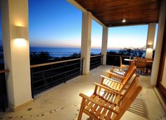 love the beachy porch