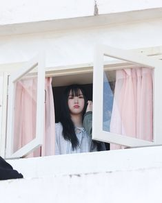 If you've ever experienced the pain of an emotionally dead relationship or if you've ever had a man suddenly pull away and shut you out. South Korean Girls, Korean Girl Groups, Girlfriend Kpop, Jung Eun Bi, Night Couple, Korean Couple, G Friend, Red Aesthetic, Korean Celebrities