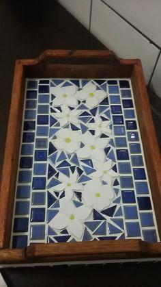 Mosaic Patio Table, Mosaic Tray, Mosaic Tile Art, Mosaic Artwork, Mosaic Glass, Mosaics, Mosaic Art Projects, Mosaic Crafts, Leftover Tile
