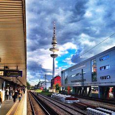 Heute möchte ich Euch mein Lieblingsviertel in Hamburch vorstellen: Die Sternschanze. Mit ihren zahlreichen bunten Cafés, Restaurants und Läden ist sie einer der buntesten Gegenden...