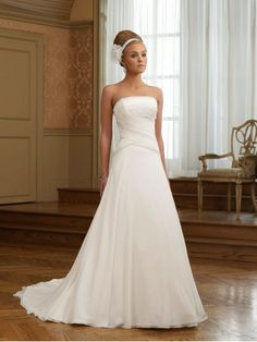 Chiffon Strapless Ruching Bodice A-line Wedding Dress