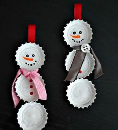 These DIY Christmas Ornaments Will Create Keepsakes You'll Treasure Forever 50 Homemade Christmas Ornaments - DIY Crafts with Christmas Tree Ornaments Easy To Make Christmas Ornaments, Christmas Ornaments To Make, Simple Christmas, Christmas Projects, Kids Christmas, Holiday Crafts, Christmas Decorations, Snowman Ornaments, Diy Snowman