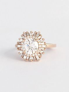 I'm not generally one to post wedding stuff, but this ring is mega gorgeous!!