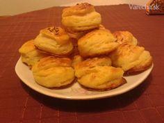Kysnuté pagáče so syrokrémom (fotorecept) Baked Potato, Mashed Potatoes, Cauliflower, Muffin, Pizza, Baking, Vegetables, Breakfast, Ethnic Recipes