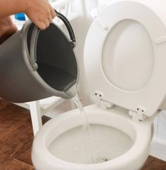Learn the extremely useful method to unclog a toilet without a plunger! This tip might just save you from utter embarrassment one day!