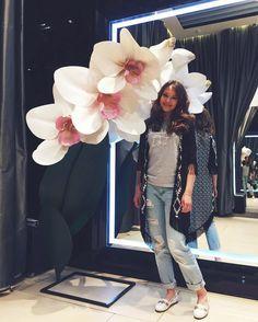Моя натуралистичная красота❤️ #орхидея#огромныецветы#большаяорхидея#стиль#фешн#мода#гигантскийцветок#веткаорхидеи#декорации#бутафория#красота#ручнаяработа#моялюбовь#creative_decor#decoration#flowers#orchid#bigflower#hugeflower#giantflower