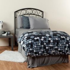 University Of Sheex Twin Sheet Set Pewter Was $99 Now $25 At Dormify The newest addition to sheet technology specifically for college dorms: University of Sheex https://api.shopstyle.com/action/apiVisitRetailer?id=478033543&pid=uid841-37799971-81