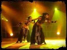 Nadyka Tribal Fusion Bellydance, Spectacle Reptiligne Festival International du Théâtre de Rue d'Aurillac 2008, spectacle electro tribal fusion, indian, hypn...