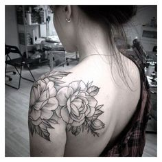 40 Just Perfect Shoulder Tattoos To Try In 2016 ❤ liked on Polyvore featuring tops and tattoo top