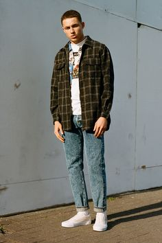 For the sophomore edition of our Looped Looks series, we're knocking up a tidy outfit to go with Vans' latest drop.