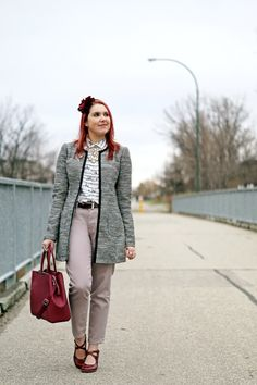 Winnipeg Style Fashion, Dish & Duer jean, Melanie Lyne jacket , Danier leather handbag, John Fluevog shoes