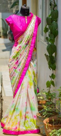 Ideas diy clothes dye simple for 2019 Sari Blouse Designs, Sari Design, Blouse Patterns, Blouse Lehenga, Saree Dress, Indian Dresses, Indian Outfits, Indian Clothes, Clothes Dye