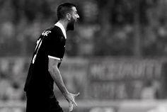 Η ΠΑΕ ΠΑΟΚ ανακοινώνει την ανανέωση της συνεργασίας της με τον Στέλιο Μαλεζά. Ο έμπειρος αμυντικός υπέγραψε νέο συμβόλαιο με την ομάδα που τον ανέδειξε, διάρκειας 1+1 έτους.