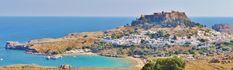 L'île de Rhodes rassemble des paysages époustouflants avec la cité médiévale de Rhodes et ses bâtiments historiques. Sur le littoral, la vallée des Papillons offre une végétation luxuriante avec des sources et petites chutes.  #vacances #myatlas #grece #blogvoyage #rhodes
