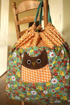 cute bag... I bet JJ could make this.....hmmmm