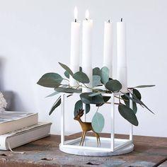 Christmas Mood: Advent wreath in Scandinavian . - Christmas Mood: Advent wreath in Scandinavian -