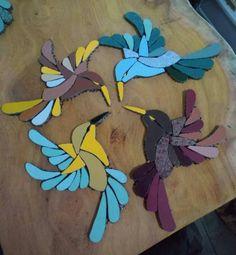 Mosaic Tile Art, Mosaic Birds, Mosaic Crafts, Mosaic Glass, Glass Painting Patterns, Stained Glass Patterns, Hummingbird Pictures, Mosaic Pictures, Stained Glass Birds