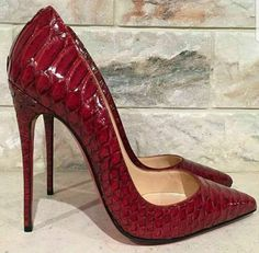 Christian Louboutin OFF! Stilettos, Pumps Heels, Platform Shoes Heels, Stiletto Shoes, Louboutin Shoes, Crazy Shoes, Me Too Shoes, Mode Shoes, Christian Louboutin So Kate