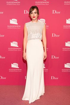 Dakota Johnson (Dior) - Outubro 2015 (Guggenheim International Gala Dinner)