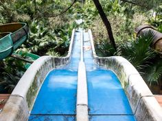 http://allday.com/post/8324-this-abandoned-water-park-has-been-reclaimed-by-the-vietnamese-jungle/pages/4/