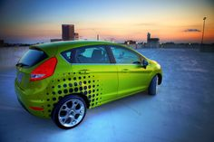 How you can Apply Static Cling Window Tint - . Static cling Window Tint is extremely simple to affect glass home windows doorways or perhaps to other smooth surfaces including aluminium metal fibreglass Car Lettering, Hdr Photography, Car Buyer, Racing Stripes, Car Logos, Car Advertising, Car Brands, Car Painting, Car Wrap