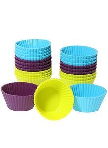 Baking cupcakes gets even more fun with these colourful #cupcakecases. Made out of silicone for an easy removal of the cakes. #bakery #cupcakes