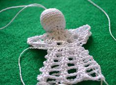 U Kathryn : Szydełkowy anioł (wzór)/Crochet angel (pattern) Crochet Christmas Ornaments, Crochet Snowflakes, Christmas Angels, Crochet Angel Pattern, Crochet Angels, Crochet Patterns, Easter Crochet, Crochet Yarn, Angel Crafts