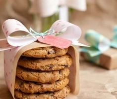DIY Wedding Table Decoration Ideas | Cookie Wedding Favors | Click Pic for 20 Easy DIY Wedding Decorations