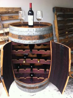 No room for a wine cellar? Discover some DIY wine storage ideas right now. Barrel Projects, Diy Projects, Woodworking Projects, Wine Rack Design, Barris, Wine Barrel Furniture, Tapas Bar, Wine Storage, Storage Ideas