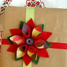 felt poinsettia brooch gift topper (how to)