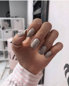 Nail polish 20 colors of trend 2018 nail polishBeautiful colors of nail polish trend nails for winter;… Acrylic Nail Shapes and Styles Have you ever thought of the perfect shape for your nails What suits anyon - n Hair And Nails, My Nails, Neutral Nail Art, Wedding Acrylic Nails, Polish Wedding, Acrylic Nail Shapes, Nail Polish, Minimalist Nails, Nude Nails