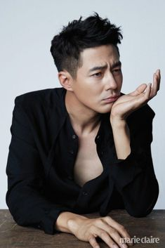 Jo In Sung in Marie Claire Korea October 2018 Asian Boy Haircuts, Asian Man Haircut, Haircuts For Men, Asian Actors, Korean Actors, Korean Men Hairstyle, Jo In Sung, Poses For Men, Asian Hair