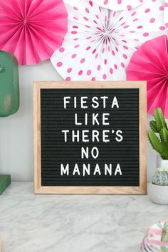 Easy Margarita Recipe Fiesta like there's no tomorrow! The perfect letterboard quote for your fiesta! Get ready for your cinco de Mayo party with this crowd favorite frozen margarita. We also have decor and party ideas for your Cinco de Mayo fiesta! Easy Margarita Recipe, Margarita Recipes, Limeade Margarita, Bbq Pitmasters, Tequila, Margarita Quotes, Frozen Margaritas, Diy Playbook, Nouvel An