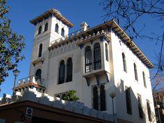 Casa Generalife Sant Cugat - Eduard Maria Balcells i Buïgas (Barcelona, 1877 – 1965) fue un arquitecto español que se sitúa a caballo entre el modernismo y otros estilos arquitectónicos de la época. - Wikipedia, la enciclopedia libre- Till F. Teenck - Trabajo propio